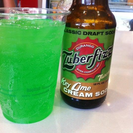 Das Foto wurde bei Soda Pop's von Zoe L. am 5/19/2012 aufgenommen