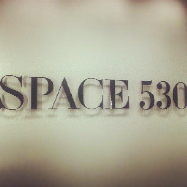 Photo prise au Space 530 par Stephanie W. le8/8/2012