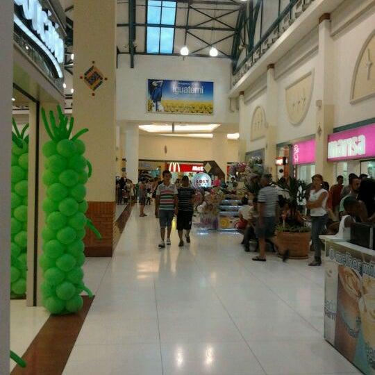 รูปภาพถ่ายที่ Shopping Iguatemi โดย Nilton T. เมื่อ 2/12/2012