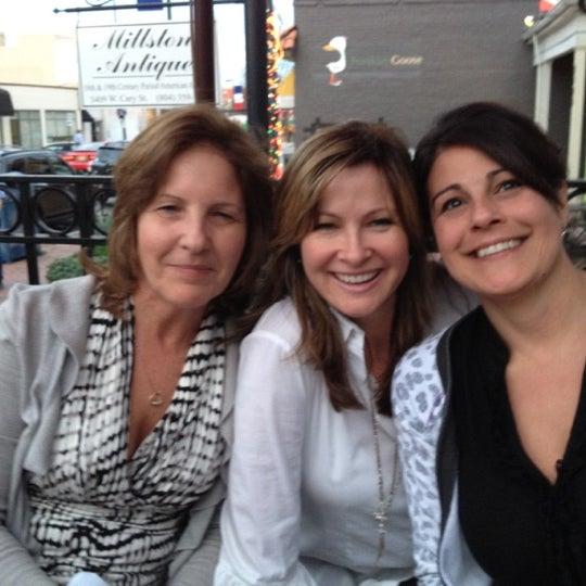 Photo prise au Water Coastal Kitchen par Connie N. le3/16/2012