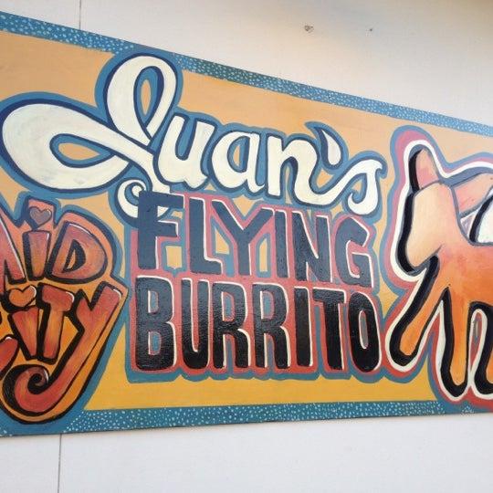 8/26/2012にtracy p.がJuan's Flying Burritoで撮った写真