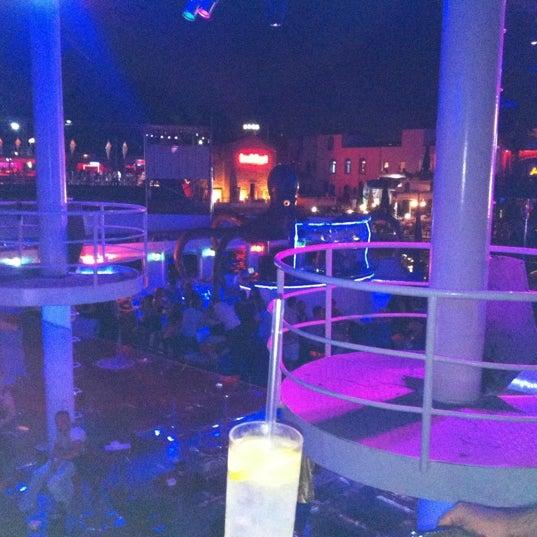 7/21/2012 tarihinde Burcin K.ziyaretçi tarafından Club Catamaran'de çekilen fotoğraf