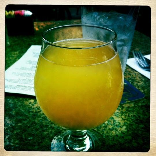 Das Foto wurde bei Square One Brewery & Distillery von Jackie P. am 7/7/2012 aufgenommen