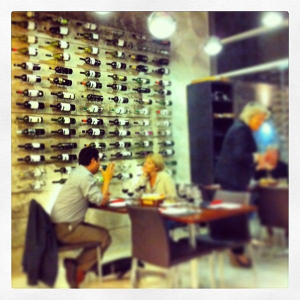 Foto diambil di My Suites Boutique Hotel & Wine Bar Montevideo oleh Lic. Joaquín G. pada 4/17/2013