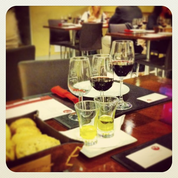 Foto diambil di My Suites Boutique Hotel & Wine Bar Montevideo oleh Lic. Joaquín G. pada 4/18/2013