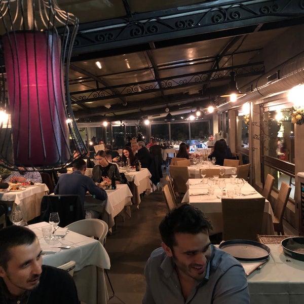 รูปภาพถ่ายที่ Catullo - Ristorante Pizzeria โดย Carlo L. เมื่อ 10/30/2019