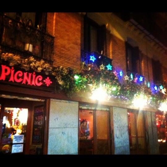 12/13/2012 tarihinde Eva D.ziyaretçi tarafından Bar Picnic'de çekilen fotoğraf