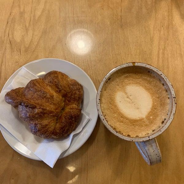 Снимок сделан в The Daily Kitchen & Bar пользователем khalid 2/12/2019
