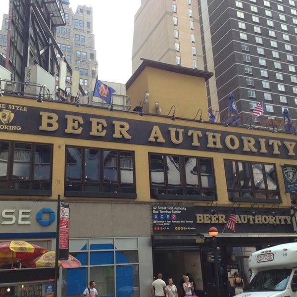 Foto diambil di Beer Authority NYC oleh AKD320 pada 7/19/2013