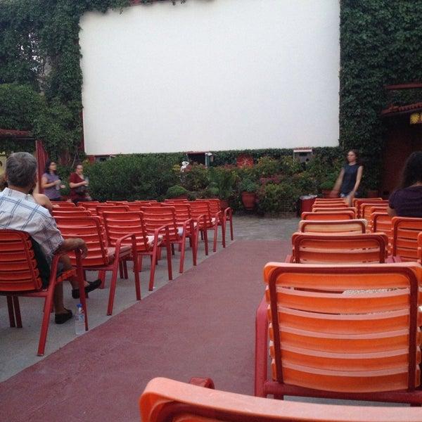Photo prise au Cine Thisio par Sofia G. le7/31/2013