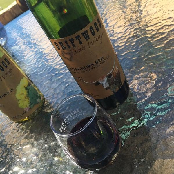 Foto diambil di Driftwood Estate Winery oleh Rodrigo M. pada 4/2/2016