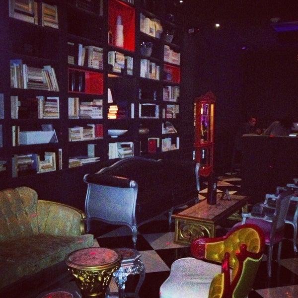 Foto tomada en The Lady Silvia Lounge por Angie L. el 2/4/2013