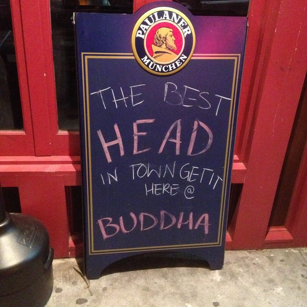 Photo prise au Buddha Beer Bar par Robert G. le4/15/2013