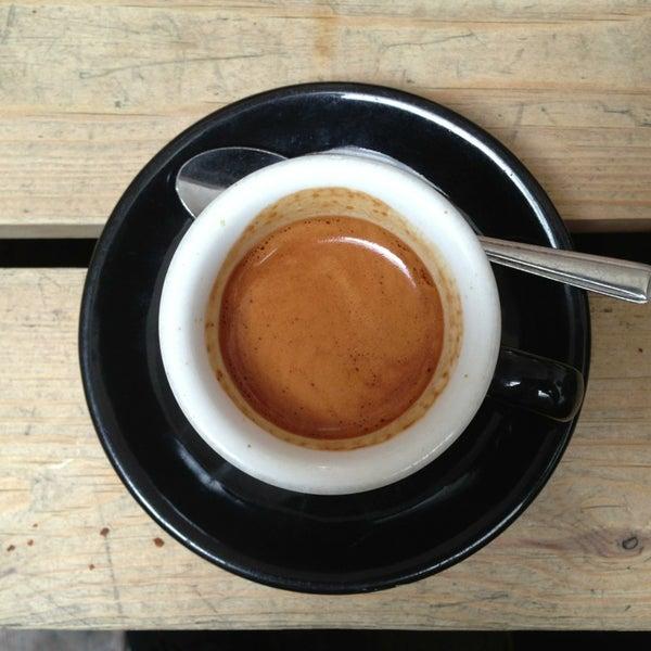 6/29/2013 tarihinde Stefanziyaretçi tarafından Kaffeine'de çekilen fotoğraf