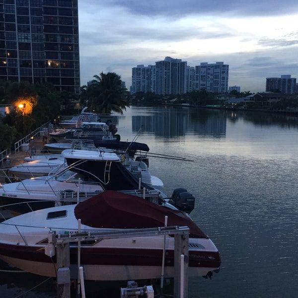 Das Foto wurde bei Juniper on the Water von Jay L. am 9/17/2015 aufgenommen