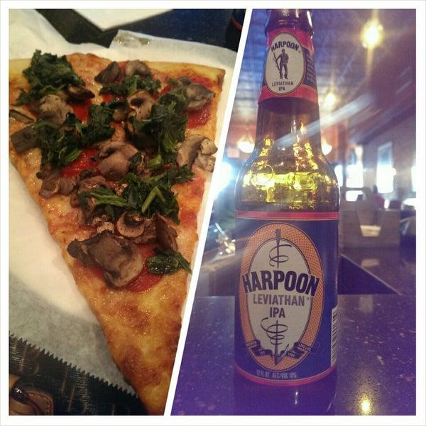 Foto scattata a The Pizza Pub da Lena J. il 3/15/2014