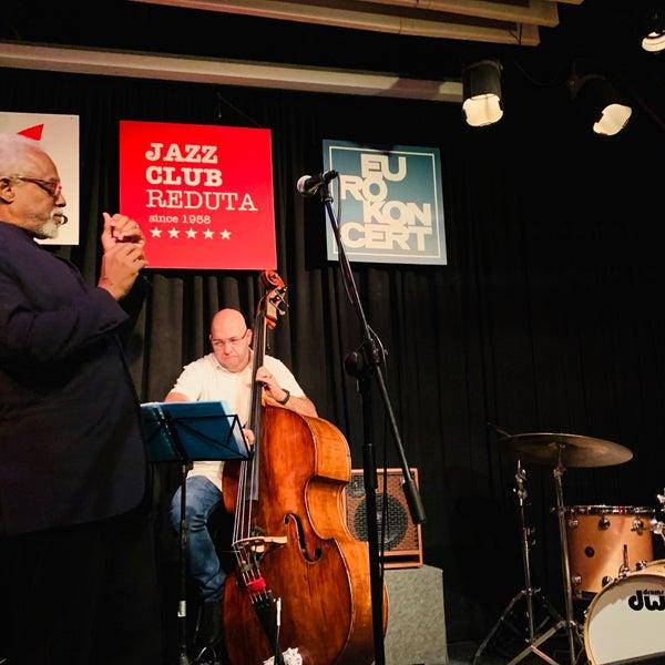 Foto tomada en Reduta Jazz Club por Hyojin J. el 9/23/2019
