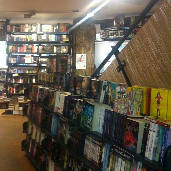 Foto tirada no(a) The American Book Center por Алёна М. em 10/14/2013