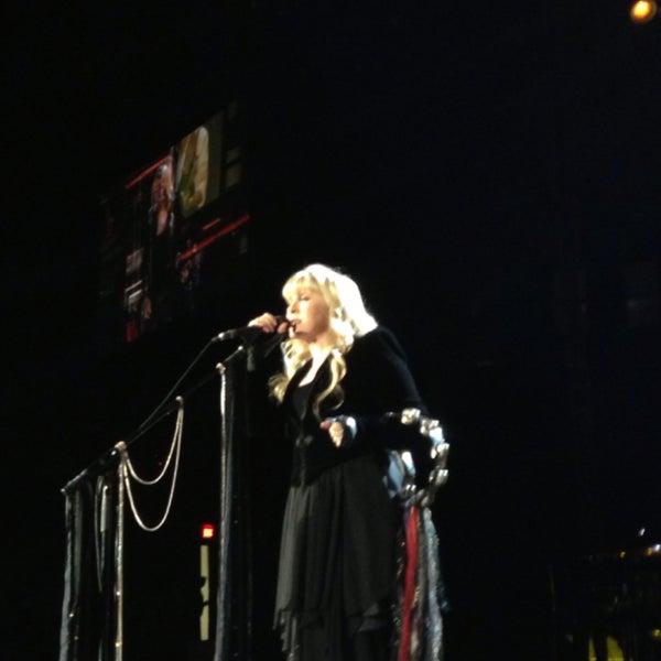 รูปภาพถ่ายที่ Allstate Arena โดย Julie S. เมื่อ 6/15/2013