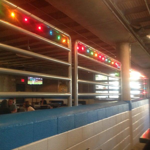 Photo prise au Rodeo Goat par Evan S. le4/18/2013