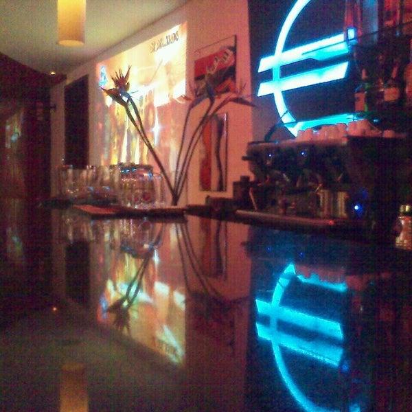 Foto diambil di Café Euro Bar oleh Ronald J. pada 4/10/2013