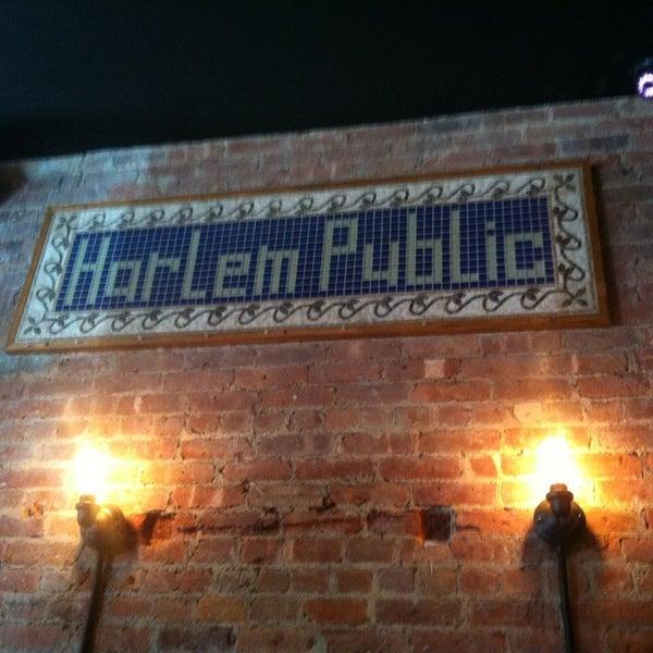 รูปภาพถ่ายที่ Harlem Public โดย Lisa P. เมื่อ 6/23/2013