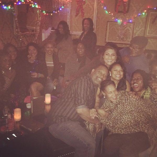 Foto tomada en Seventy7 Lounge por Deborah D. el 1/3/2016