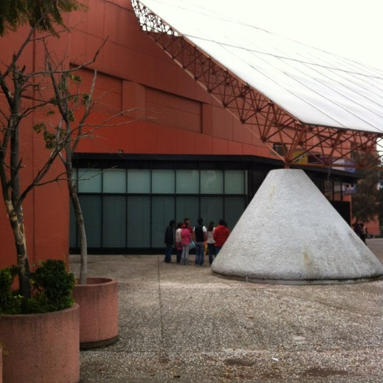 รูปภาพถ่ายที่ Universum, Museo de las Ciencias โดย Ricardo H. เมื่อ 11/4/2012