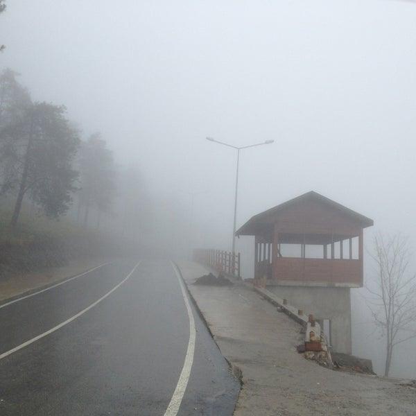Das Foto wurde bei Tepe Restaurant von Fatih am 12/23/2012 aufgenommen