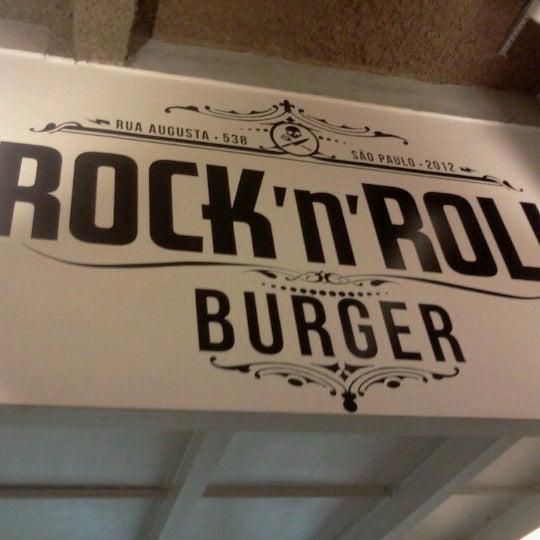 11/22/2012 tarihinde John C.ziyaretçi tarafından Rock 'n' Roll Burger'de çekilen fotoğraf