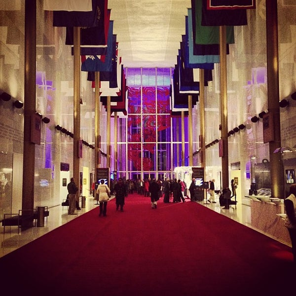 Снимок сделан в The John F. Kennedy Center for the Performing Arts пользователем John N. 12/22/2012