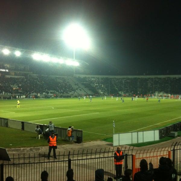 รูปภาพถ่ายที่ Toumba Stadium โดย Eleni เมื่อ 1/13/2013