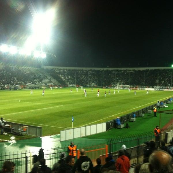 รูปภาพถ่ายที่ Toumba Stadium โดย Eleni เมื่อ 1/24/2013