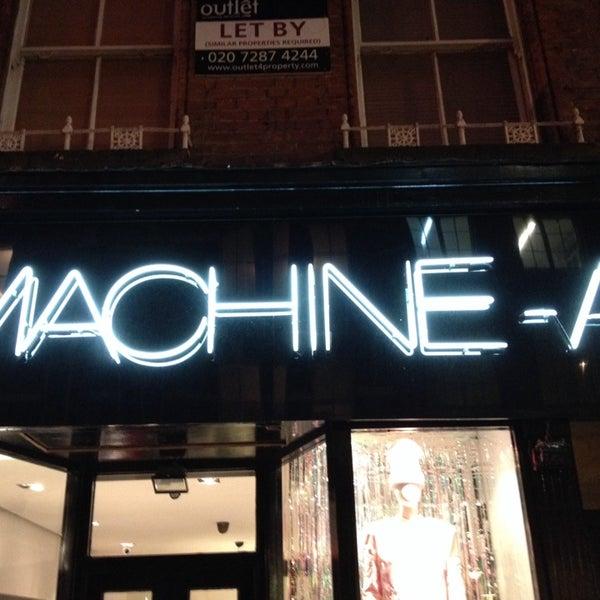 Foto tirada no(a) MACHINE-A por Christos S. em 12/2/2013