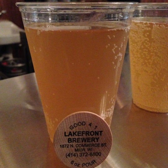 Photo prise au Lakefront Brewery par Nilam T. le11/9/2012