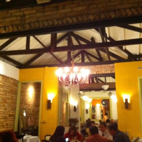 Foto tirada no(a) Zeffiro Restaurante por Ana S. em 9/15/2012