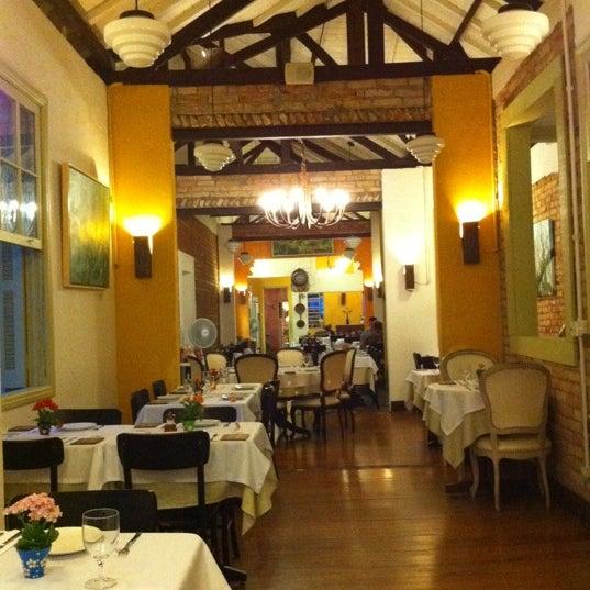 Foto tirada no(a) Zeffiro Restaurante por Ana S. em 10/28/2012