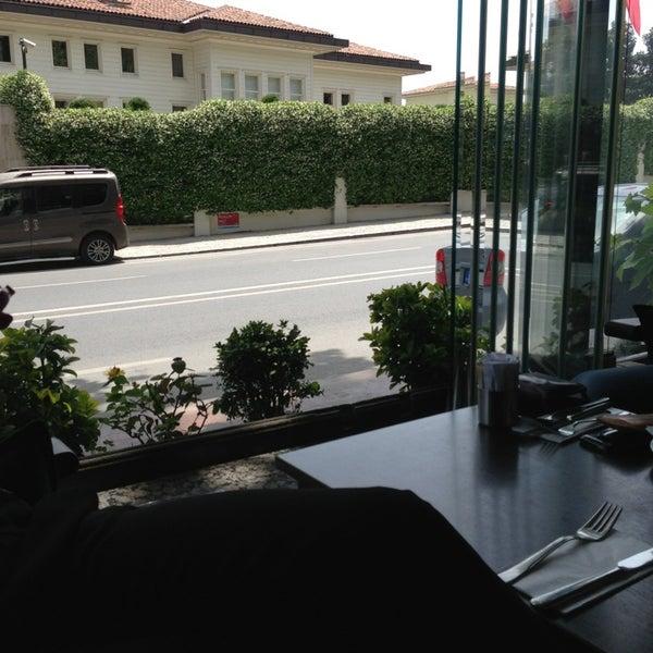 5/21/2013にMerve A.がKuruçeşme Kahvesiで撮った写真