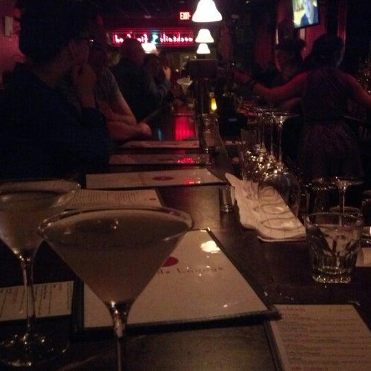 11/17/2012 tarihinde Bennett W.ziyaretçi tarafından West Side Lounge'de çekilen fotoğraf