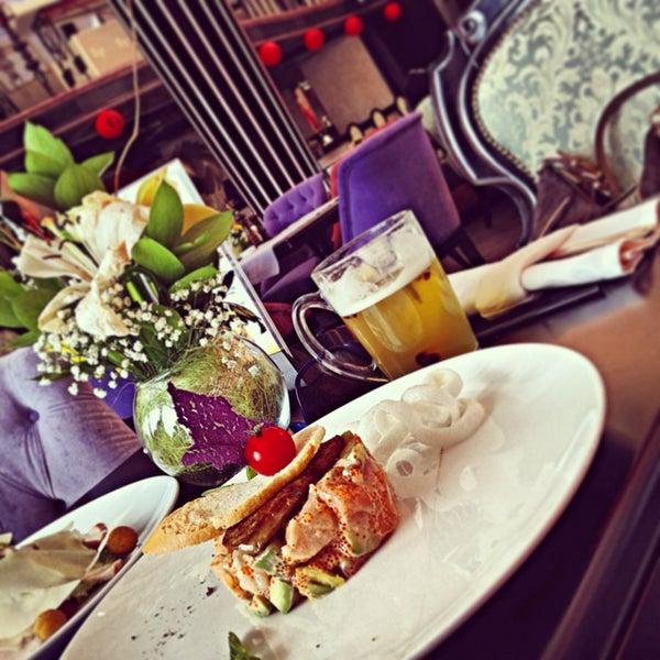 Das Foto wurde bei Panorama Lounge von Ксения К. am 4/21/2013 aufgenommen