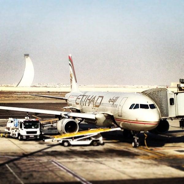 Photo prise au Abu Dhabi International Airport (AUH) par Ahmed A. le2/27/2013