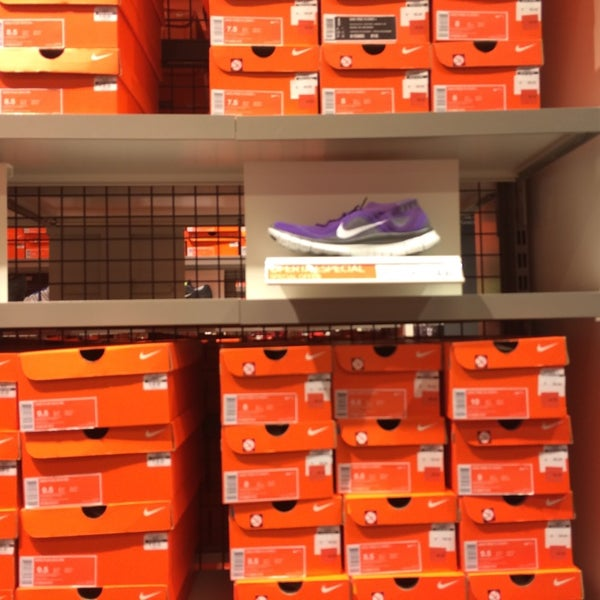 garantía de alta calidad seleccione para auténtico real mejor valorado Photos at Nike Factory Store Sevilla - San José de la Rinconada ...