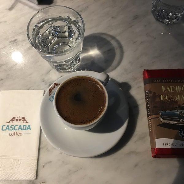 Das Foto wurde bei Cascada Coffee von Kübra K. am 3/14/2017 aufgenommen