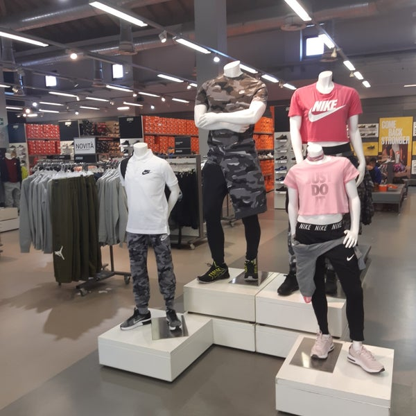 timeless design ae7c9 0b3d1 Photos at Nike Factory Store - Sporting Goods Shop in Castel ...