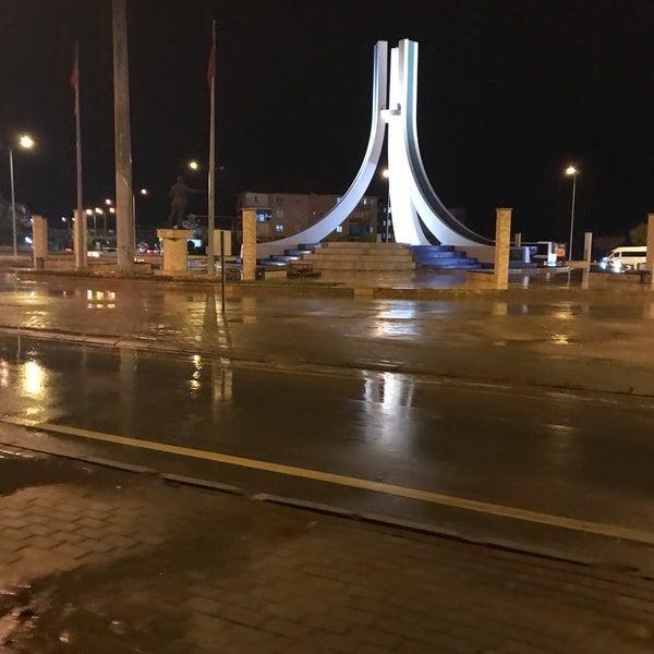 10/9/2018 tarihinde Ümmühan Nalan Kamil Ç.ziyaretçi tarafından Albayrak Meydanı'de çekilen fotoğraf
