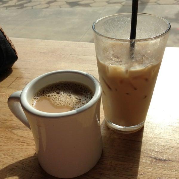 6/10/2013にJason L.がCondesa Coffeeで撮った写真