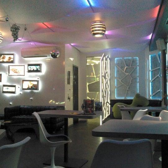 Снимок сделан в Cafe Studio 89,5fm пользователем Marina N. 12/16/2012