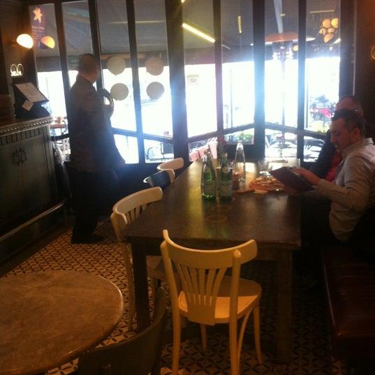 11/26/2012 tarihinde Seyfettin Ç.ziyaretçi tarafından Faros Restaurant'de çekilen fotoğraf