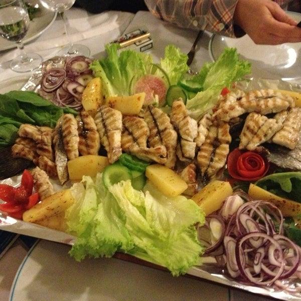 3/16/2013에 SEVGI Y.님이 Cunda Balık Restaurant에서 찍은 사진
