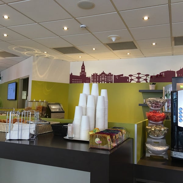 Stephanie Inn Dining Room: Ibis Styles Brussels Centre Stéphanie